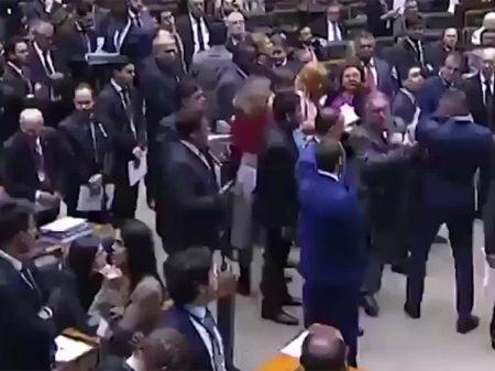 Deputado do PSL agride parlamentar e responderá por quebra de decoro na Câmara