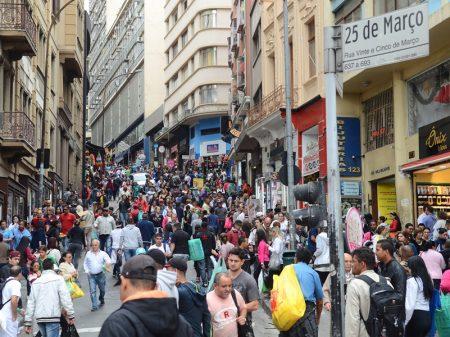 Indicadores de emprego da FGV pioram em maio