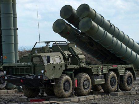 """Turquia: o S-400 russo """"já está comprado"""" e sanções dos EUA """"não vão mudar nada"""""""