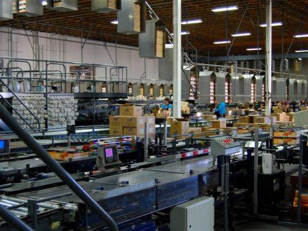 Produção industrial acumula queda de 2,7% no ano