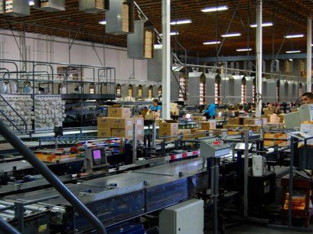 Produção industrial cai em 11 de 15 locais