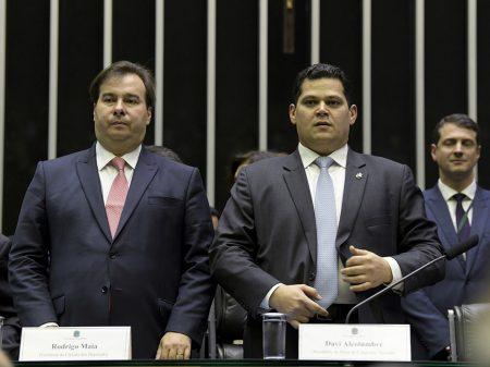 Bolsonaro não tem proposta para tirar o país da crise, afirmam Maia e Alcolumbre