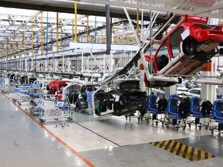 Produção de veículos desaba 15,5% em junho