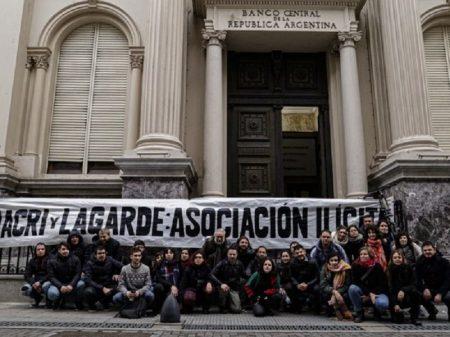 """Trabalhadores argentinos processam Macri por """"administração fraudulenta"""""""