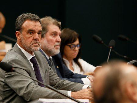 """""""Ele segue irresponsável com os absurdos que fala"""", diz líder do PCdoB"""