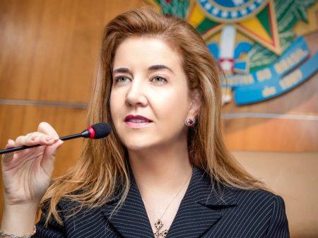 Bolsonaro veta advogada primeira da lista para o TSE, por discussão em 2016