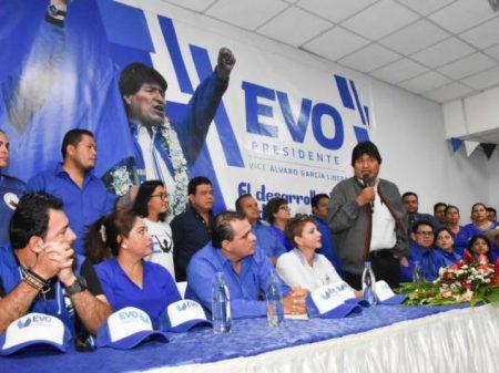 Evo conclama bolivianos a defender a democracia e a soberania