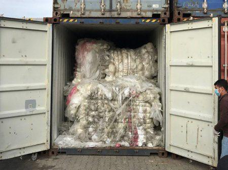 Camboja devolve aos EUA e Canadá 1.600 toneladas de lixo