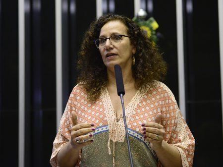 """""""Aumento da idade mínima é perversidade contra o trabalhador"""", diz Jandira"""