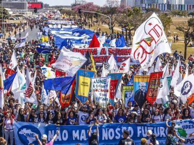 """Estudantes na Carta de Brasília: """"Balbúrdia é o governo Bolsonaro"""""""