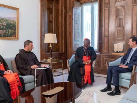 """Papa Francisco apoia esforço de Assad """"pela estabilização da Síria"""""""