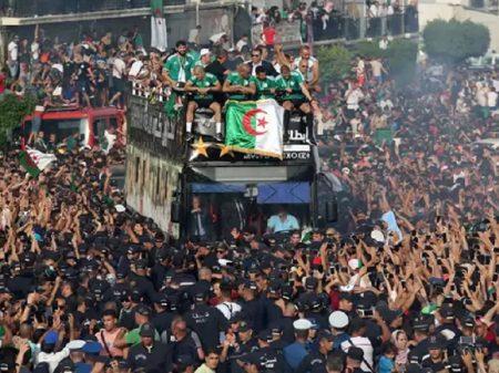 Argelinos celebram  conquista da Copa Africana de futebol