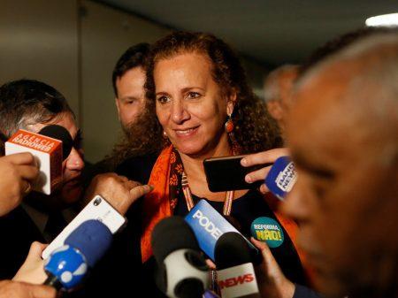"""Jandira defende mobilização para reverter """"as muitas crueldades da reforma"""""""