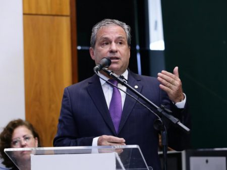 """Líder do PSB: """"o partido vota contra a agressão que é a reforma da Previdência"""""""