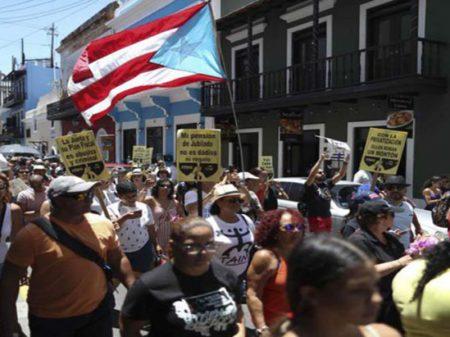 Porto-riquenhos exigem a saída do governador Rosselló por corrupção