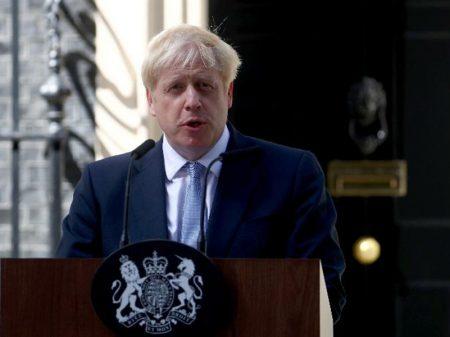 BoJo assume chefia do governo inglês para completar o Brexit