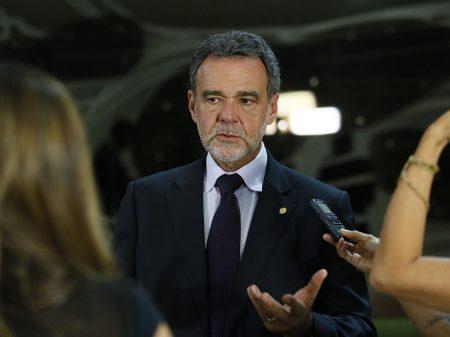 Capitalização só cabe na cabeça de um banqueiro como Guedes, afirma Daniel Almeida