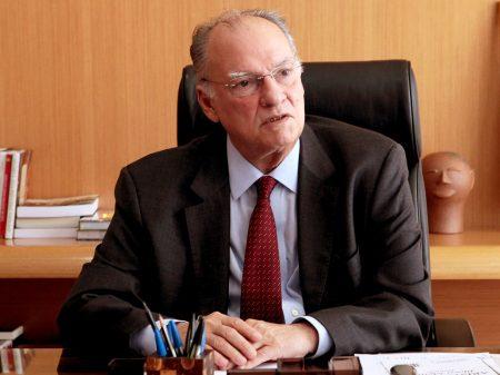 """Freire defende """"articulação melhor contra a sucessão de medidas irracionais de Bolsonaro"""""""