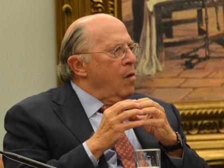 """Bolsonaro está num """"processo paranoico perigoso"""" ao exaltar Ustra, diz Reale Jr."""