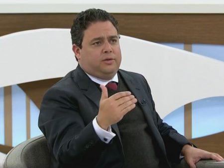 """""""Bolsonaro agrediu a memória do meu pai para atacar a OAB"""", diz Felipe Santa Cruz"""