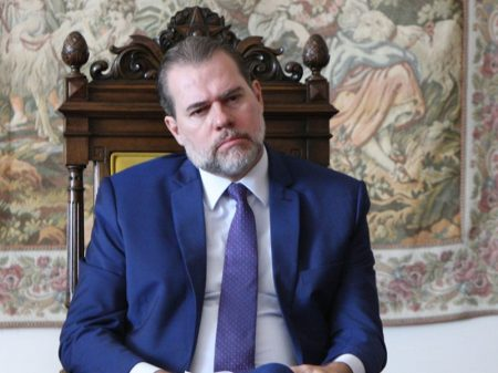 """Toffoli prega que função do STF é """"não atrapalhar"""" Bolsonaro"""