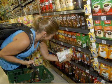 IBGE: comércio varejista parado em junho