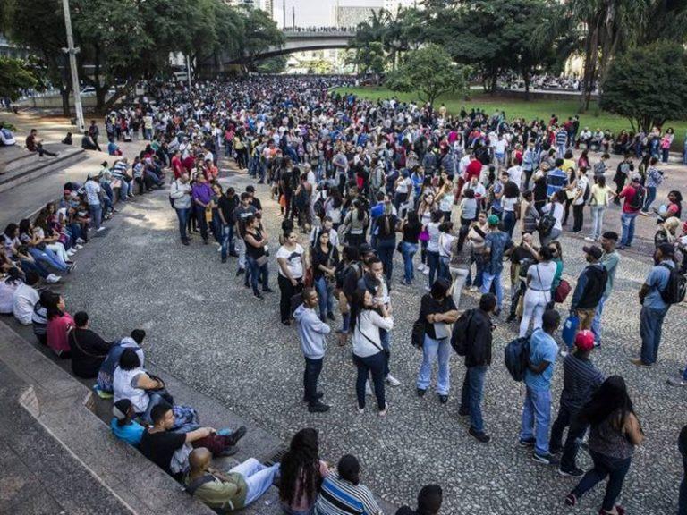 Indústria paulista fecha 3 mil vagas em outubro