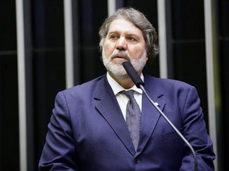 """Renildo: """"Bolsonaro todo dia agride a sociedade brasileira"""""""