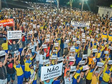 Correios entram em greve nacional contra arrocho e privatização