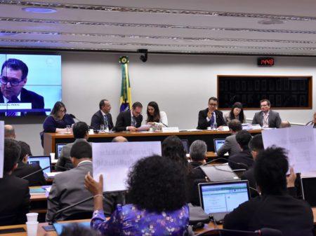Deputados do grupo de trabalho rejeitam licença para matar, proposta de Moro