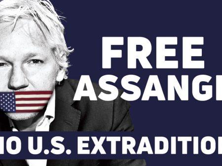 Juiza britânica mantém Assange detido apesar do fim da sentença