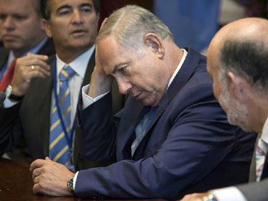 Netanyahu usa racismo e guerra para tentar escapar da cadeia e perde