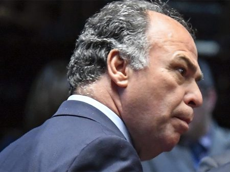PF faz busca e apreensão contra o líder de Bolsonaro no Senado