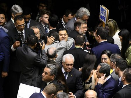 Congresso derruba 18 vetos de Bolsonaro à Lei de Abuso de Autoridade