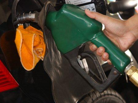 Governo volta atrás e aumenta diesel e gasolina