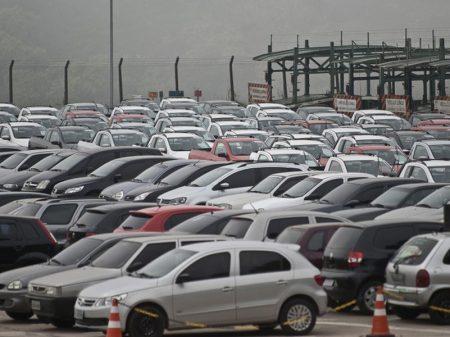 Venda de veículos novos cai 26,2% em 2020