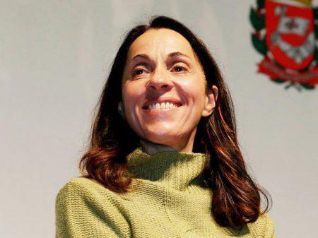 Nádia Campeão lança livro, critica ajuste fiscal e penúria das prefeituras
