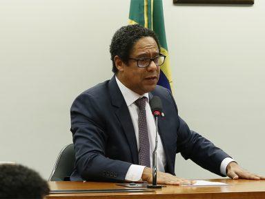"""""""BolsoNERO é uma vergonha planetária"""", diz Orlando Silva"""