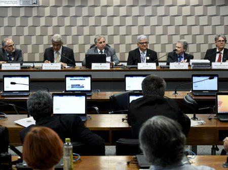 Cientistas e servidores denunciam no Senado o desmonte do CNPq