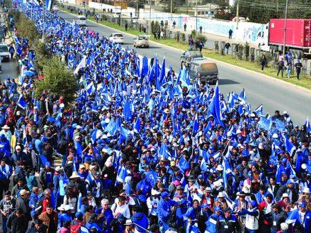 Bolívia: Centenas de milhares marcham em El Alto pela reeleição de Evo