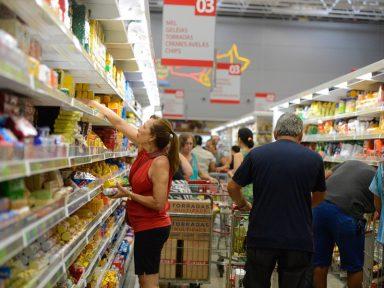 Governo diminui novamente a previsão do salário mínimo para 2020