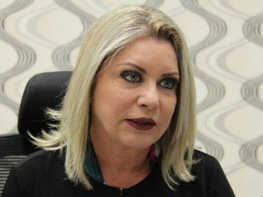 """""""Aquilo é como se fosse uma seita que engole as pessoas"""", diz senadora, sobre o PSL"""