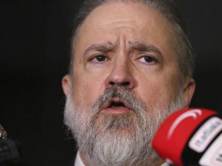 """Aras afronta a PF e diz que  facada em Bolsonaro """"precisa ser investigada"""""""