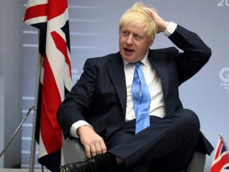 Parlamento rejeita 'urgência' e Brexit de Boris para o dia 31 sobe no telhado