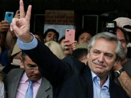 Fernández e Cristina derrotam Macri, o candidato da submissão ao FMI