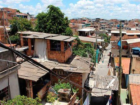 24% das famílias vivem com apenas R$ 1.245,30