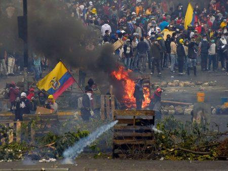 """Após decretar toque de recolher na capital do Equador, Moreno agora propõe """"negociação"""""""
