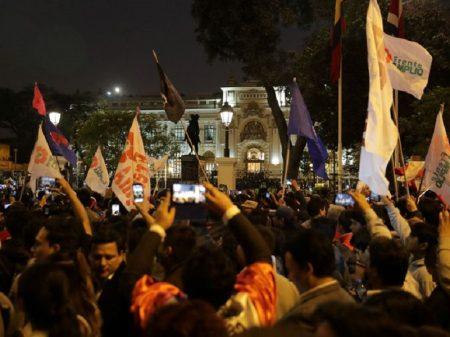 """Peru: Mercedes Aráoz renuncia à """"presidência"""" e apoia eleições antecipadas"""