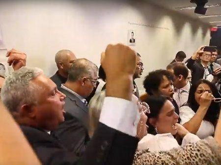 Bolsonaro nos traiu no PL da Previdência, afirma líder de militares da reserva