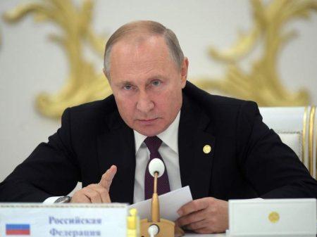 Putin defende retirada de   tropas estrangeiras com presença ilegal na Síria